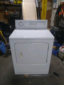 DRYER - WHIRLPOOL/KITCHENAID