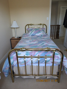 """Twin Size """"Brass"""" Bed"""