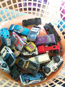 18 metal cars