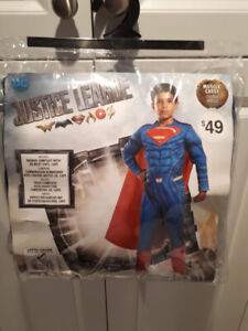 SUPERMAN COSTUME SIZE LARGE (12-14).....BRAND NEW!