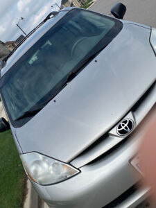 2008 Toyota Sienna, excellent condition, low price
