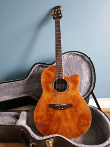 Electric acoustic ovation guitar excellent condition