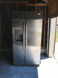 Like New Whirlpool side-by-side refrigerator LCD Touchscreen