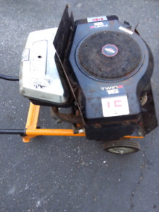 Moteur complet Briggs&Stratton Twin ll 16 hp.