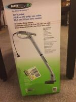 BRAND NEW Electric Yard trimmer