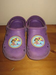 "TODDLER GIRLS ""DORA THE EXPLORER"" SHOES - SIZE 11/12"