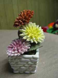 Radnor Staffordshire England Bone china ( hand made) Bouquet London Ontario image 1