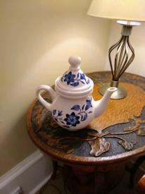 Elegant tea pot