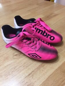Girls umbro cleats size 4 youth