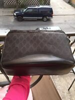 Authentic vintage Gucci massenger bag