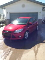 2012 Ford Focus SE 5-door hatchback, no GST!