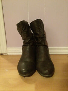 women's size 9 boots Peterborough Peterborough Area image 2