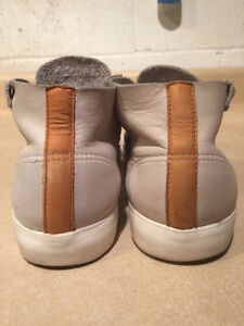 Men's Lacoste Leather Shoes Size 11 London Ontario image 2