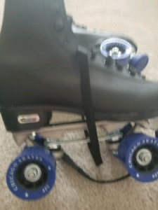 Epic size 12 rollerskate brand new