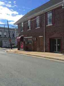 Lease Commercial Spaces / Parking - Windsor
