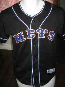 Never worn METS YOUTH jersey size Med-Lg 8-10