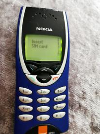 Mobile phone Nokia 8210