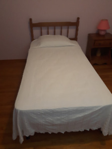 Single Bed with Mattress and Box Spring. Great for the cottage!