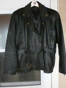 Aubaine! Manteau neuf de moto  en cuir noir