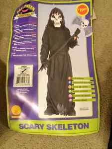 SCARY SKELETON COSTUME SIZE LG(12/14) PLUS XTRA MASK FOR SALE!!!
