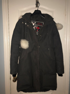 FRESHLY DRY CLEANED WOMEN'S MOOSE KNUCKLES PARKA