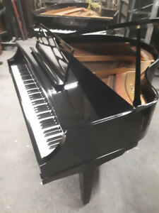 Piano Baby Grand ,   Kimball ,, Excellent Condition