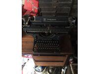 Brilliant Condition Underwood Typewriter Antique Collectable
