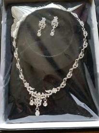 New Elegant Silver Jewellery Necklace Set