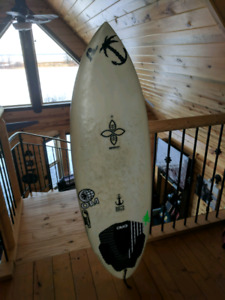 Infinity surf board 5f perfect for the river or wake