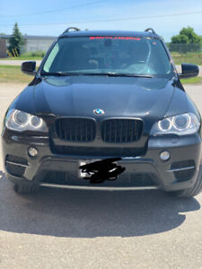 BLACK 2011 BMW X5 35D w/ Navigation Mint Condition