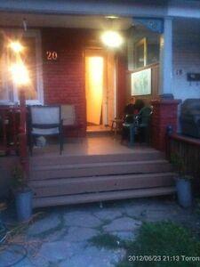 1 Bedroom New, Huge, Fenced Back Yard. Campbell Park, Toronto