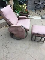 Oversized outdoor swivel patio chair with matching ottoman