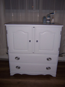 JOLIE COMMODE/ARMOIRE