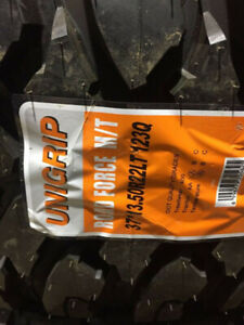 BRAND NEW Unigrip LT37/13.5/22 E-RATED RAIN/SNOW RATED TIRE