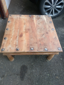 Solid wood coffee/side table
