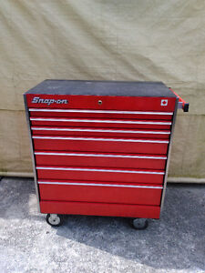 SNAP ON 7 DRAWER TOOL BOX WITH PLASTIC TOP AND 2 KEYS ONE OWNER