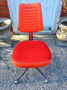 Superbe Chaise de Bureau RETRO Orange West Island Greater Montréal image 2