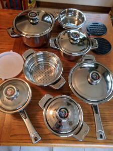 16 pc Cookware Set, brand new