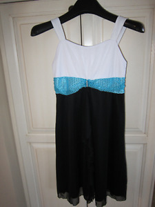 Robe pour fille taille 10-12 ans