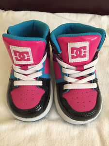New baby girl DC shoes size 5