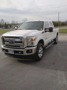 2014 Ford F-350 Lariat ONE OWNER!!! LOADED!!! FIFTH WHEEL HITCH