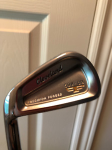 Cleveland 588 CB irons 3-PW, Left Hand, Stiff, Excellent Cond.