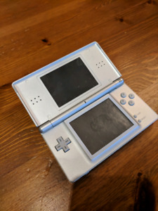 Nintendo DS with 5 games, plus 5 GBA games