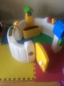 Little tykes play discovery $15