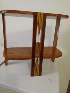 Table d'Appoint Vintage en Bois