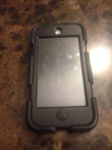 iPod 5th generation 32 gb with case