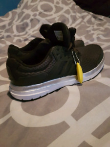 Mens Adidas runners size 9