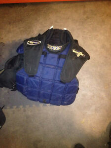 vaugn chest protector goalie great condition