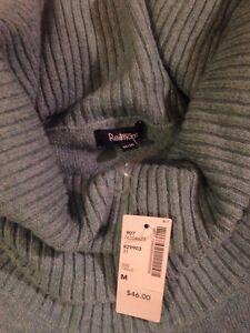 Reitmans sweater NWT! M Kingston Kingston Area image 3