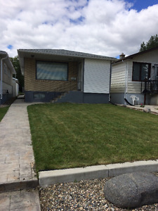 2 Bedroom house with single car garage, utilities included